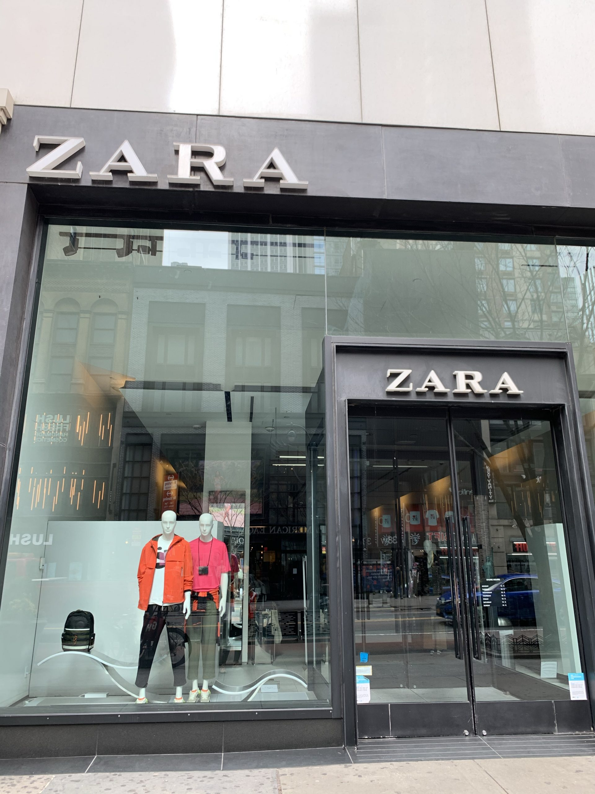 Closed Zara Storefront