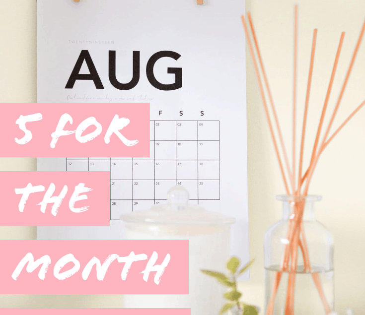 Calendar of Aug with oil diffuser